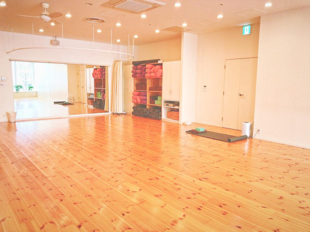 マットピラティス体験談スタジオヨギーアラサー女子TOKYO店レッスン口コミレポ体幹強化